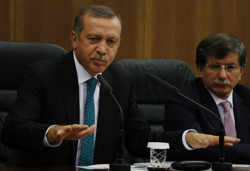 Ердоган отстреля и Давутоглу!