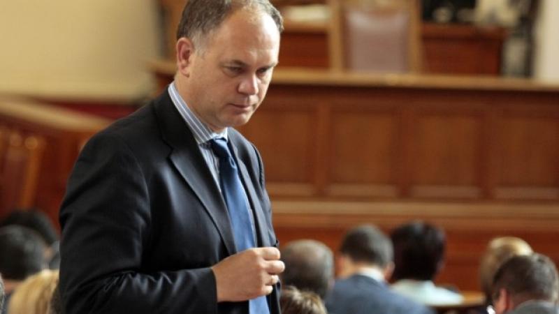 ДСБ саботира РБ! Тъмносините работили за Кадиев в Младост