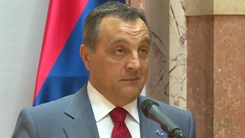 Експремиерът Живкович: Защо Сърбия пази Цветан Василев?