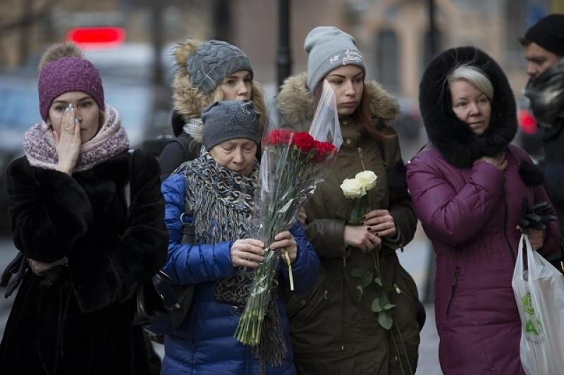 Украински националисти поругаха паметта на загиналите