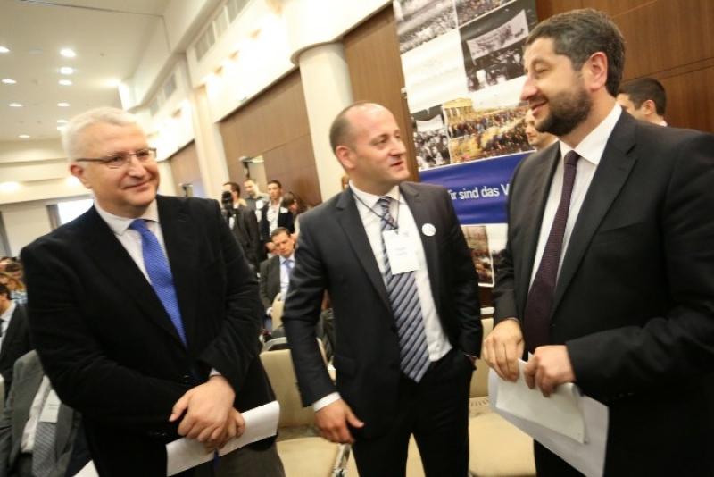 Защо Радан Кънев и Да България защитават монопола на Банско?