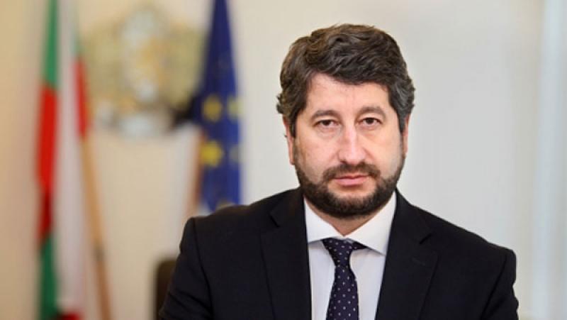 Да България – партия или НПО за атаки към Цацаров?