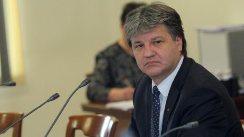 Узунов: Шефът на ВКС урони престижа на съдебната власт