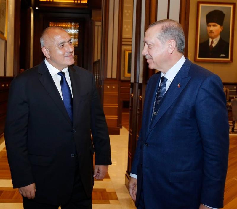 Борисов изглажда противоречията с Турция