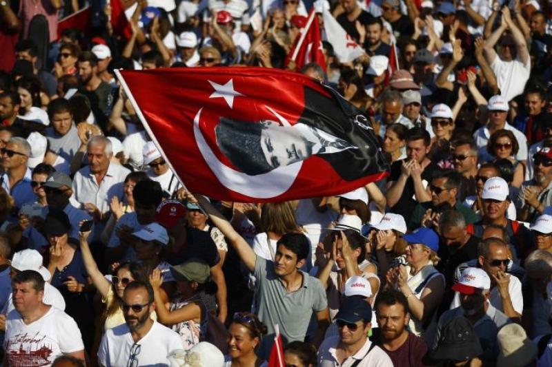Два милиона срещу Ердоган