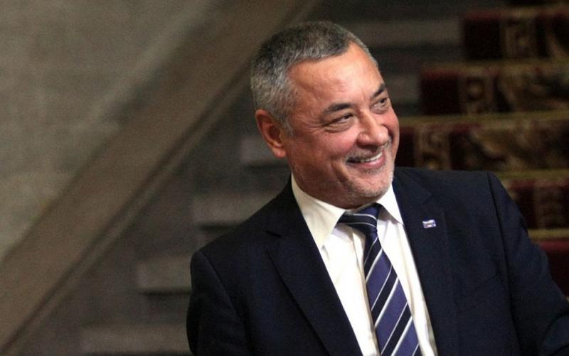 Симеонов: Подкрепяме министрите в оставка