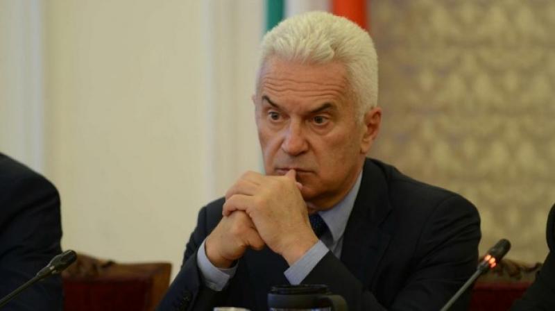 """Сидеров: Бъчварова работи за кръга """"Капитал"""""""