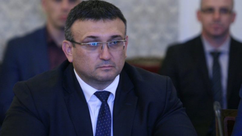 Маринов: Увеличават се желаещите да бъдат полицаи