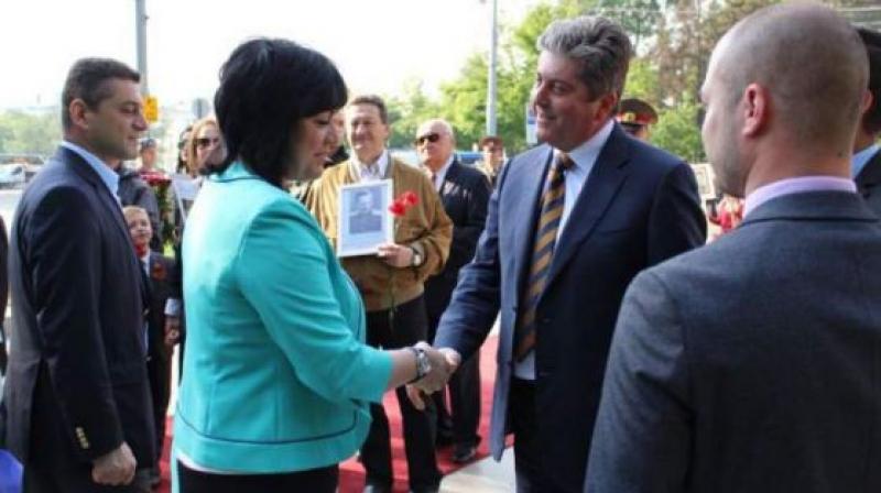 Първанов поиска коалиция с Нинова