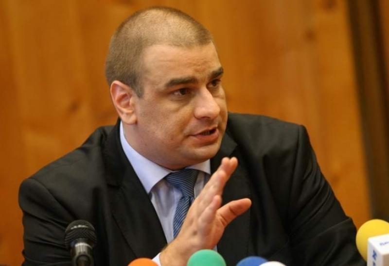 ГЕРБ и СДС срещу БСП и Да България